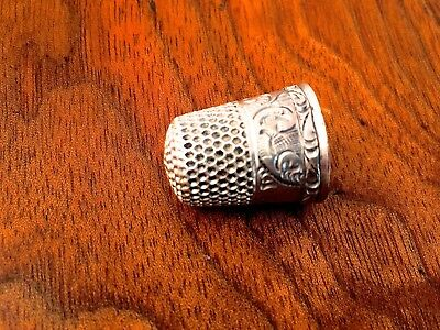 Goldsmith, Stern & Co Sterling Silver Decorated Thimble Size 6 No Monogram