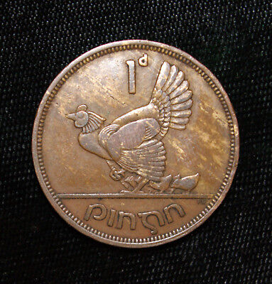 Penny Ireland 1946 Bronze Coin Irish Harp Hen with Chicks Eire One Pence