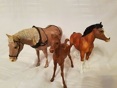 BREYER  HORSES LOT OF ( 3 ) Breyer Horse Mare Colt  fold Good Condition