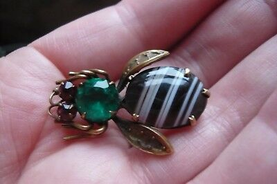 Art Deco Scottish Banded Agate, Paste and Gilt Metal Bee Brooch