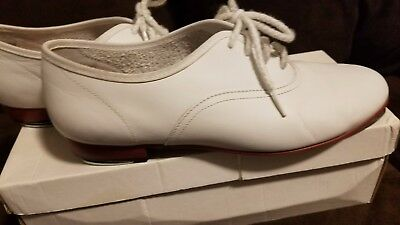Ms. Stomper Womens Clogging Shoe White Size 9.5M- Taps included