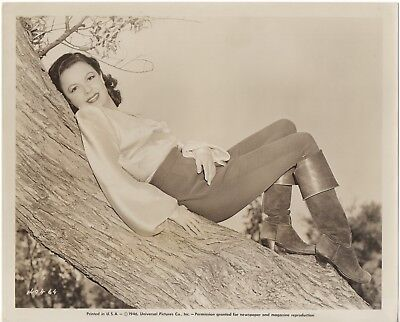 MARJORIE REYNOLDS Original Sepia 8x10 Photo 1946 - Great Shot of Marge Relaxing!