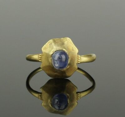 ANCIENT MEDIEVAL GOLD SAPPHIRE RING - CIRCA 14th/15th Century AD