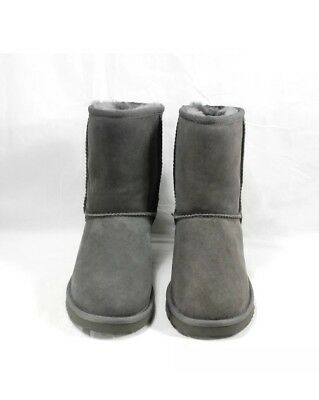 New UGG Boots Classic Short Gray in Kids size 1
