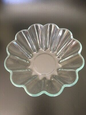 Fluted Pyrex Jelly Mould 20 cm
