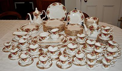 109 Pieces! Royal Albert OLD COUNTRY ROSES Dinner Set for 12 People + Extras WOW