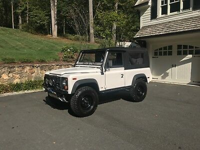1995 Land Rover Defender  1995 Land Rover Defender 90 Manual Trans 4x4 Winch Soft Top
