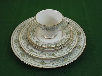 5 Piece Place Setting Noritake Green Hill (5 Avail) Dinner Plate Salad Bread Cup