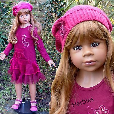 """Masterpiece Dolls Gianna, Light Brown Wig, Fits Up To 20"""" Head"""