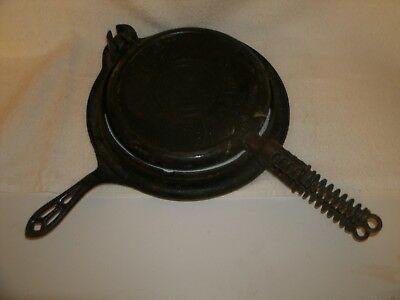 Griswold Cast Iron Vintage Antique No. 9 Round Waffle Iron PN 316 Erie NICE 1908