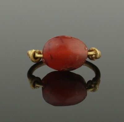 ANCIENT EGYPTIAN GOLD SCARAB RING - Middle Kingdom c. 2010 - 1793 B.C   0035