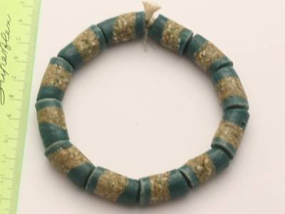 1 Armband grüne Recycling Glasperlen 12mm Ghana Krobo Trade Beads Afrika 1957