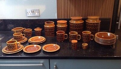 Huge Quantity 28 Items Of Hornsea Heirloom Crockery Cups Plates Bowls & More