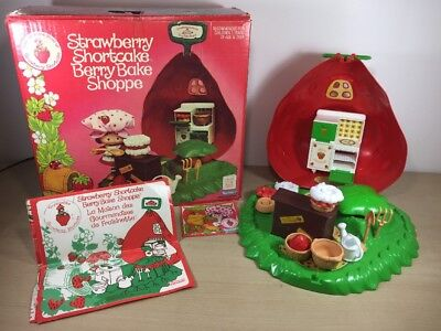 Vintage Strawberry Shortcake Berry Bake Shoppe Kenner 1980 Bilingual In Box Comp