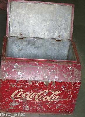 Vintage Coca Cola cooler Metal Red Ice chest Trade Markregd.Drink Ice Cold c1940