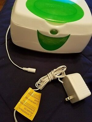 Munchkin Warm Glow Wipe Warmer - Green and White