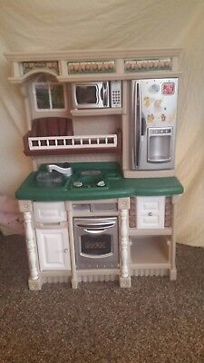 Step 2 Lifestyle Collection Model 7372 Kitchen Play Pretend Toy