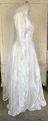 Vintage Ivory Embroidered Wedding Bridal  Victorian Dress And Veil Size S 8-10