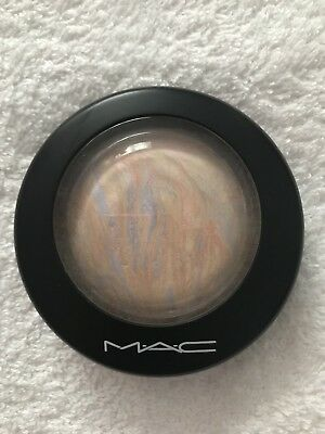 MAC Mineralize Skinfinish Highlighter Lightscapade