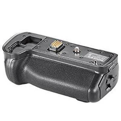 Neewer Replacement Battery Grip for DMW-BGGH3 Works with Rechargeable Battery DM