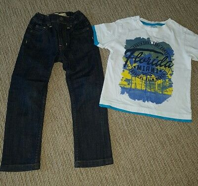 Boys mossimo jeans- as new + bonus tee! Excellent condition. Size 4
