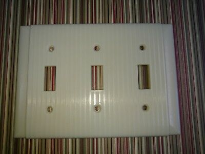 Vintage Uniline Bakelite Ribbed Triple Light Switch Plate Wall Cover Ivory