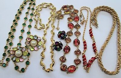 Long vintage gold metal & emerald glass necklace + 2 pairs earrings + 4