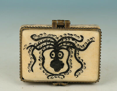 Chinese Old Handmade Carved Spider Collect Statue Box Decoration