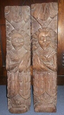 A Very Old Pair Of Hand Carved  Oak Portrait Panels - Tudor Gentleman In Robes