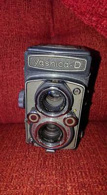 Vintage YASHICA D TLR CAMERA - FOR REPAIR OR SPARES