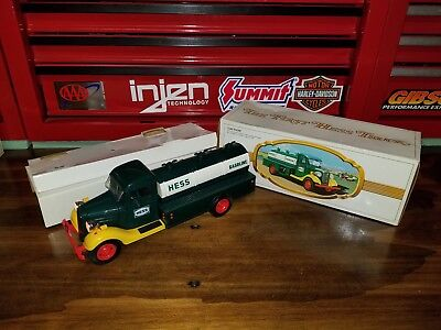 Hess Truck 1982 1983 The First Hess Truck In Box With Insert Nice P1