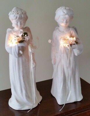 Set of Two Angels With Lighted Bouquets