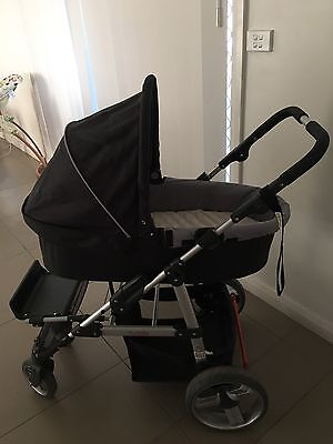 Zuzu Helix Stroller Near New Bassinet And Seat With Accessories And Book