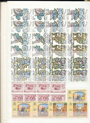 38512/ Vatikan ** MNH Lot / Mixture mit 4er Blocks