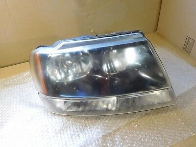 99   2002 JEEP GRAND CHEROKEE LAREDO Passenger RH HEADLIGHT OEM Black