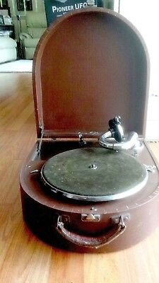 Wind up Gramophone continental