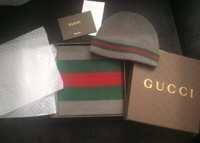 Gucci Christmas scarf and hat set Grey
