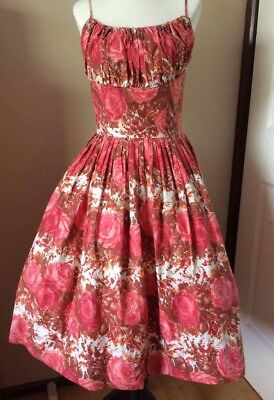 Vintage 1950s 50s Rose Novelty Print Dress. Size XS. Submit Best Offer! 🌹