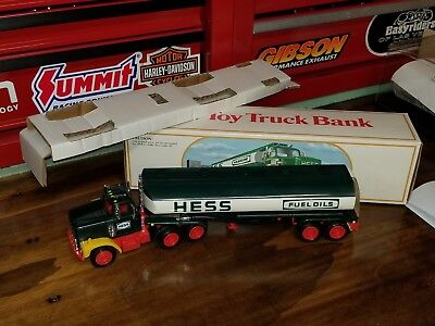 1984 Hess Fuel Truck Oil Tanker With Bank In Box With Inserts Nice P5