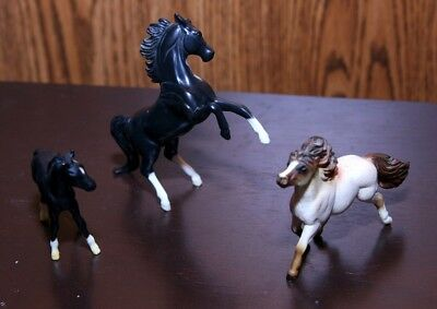 Breyer Stablemates Lot Of 3, Black Rearing Arabian,thorobred Foal,shetland Pony