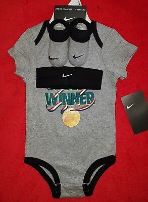 Bnwt Baby Boy X3 Piece Set, Vest, Hat & Booties, By Nike, Age 6-12 Months, Xmas?