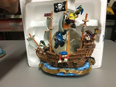 SUPER RARE  M&M's CANDY Pirates of the Caribbean ship W/ GLASS Crystal  Ball