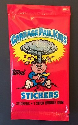 UK Garbage Pail Kids Series 1 New Pack~Printed WITHOUT Bar Code (0-494-0-6) MINT