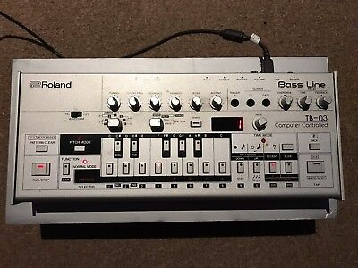 roland tb-03 boutique synthesizer based on tb-303 303 tb03