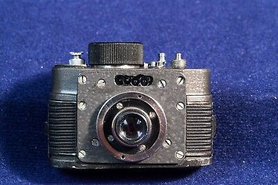 AJAX F-21 Russian Soviet USSR SPY KGB Krasnogorisk Button Camera w/accessories