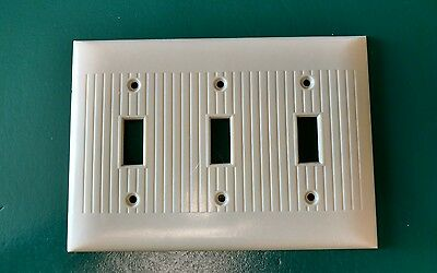 Vintage Sierra Bakelite Ribbed Triple Light Switch Plate Wall Cover Ivory