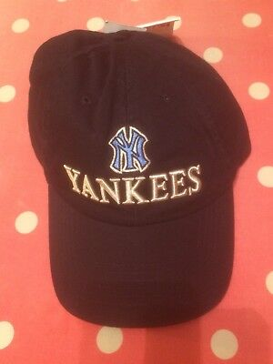BNWT New York Yankees cap,one size fits all. Official MLB Merchandise.