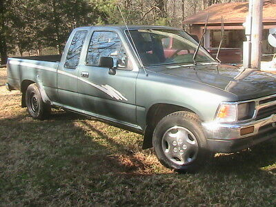1993 Toyota Tacoma  1993 Toyota Extended Cab Pickup for restore or parts