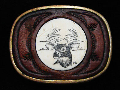 PK09156 VINTAGE 1970s **BIG BUCK DEER** SCRIMSHAW ART LEATHER SOLID BRASS BUCKLE
