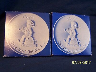 """Two 1976 Hummel Goebel Collector Club Plates """"Merry Wanderer"""" in boxes"""